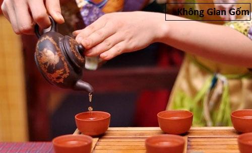 Ấm chén Bát Tràng nghệ thuật của pha trà