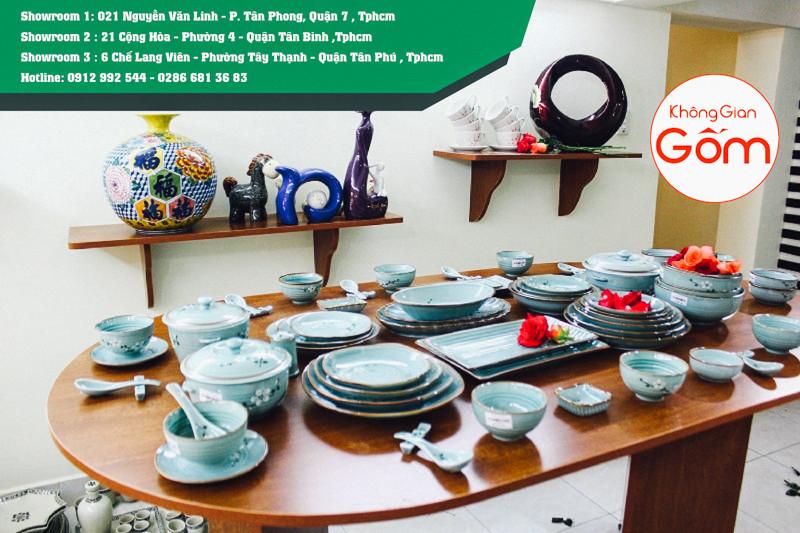 Cửa hàng Không Gian Gốm đơn vị trưng bày cung cấp bát đĩa Bát Tràng cao cấp